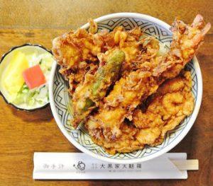 浅草にある天ぷらが人気の大黒家天麩羅本店の天丼