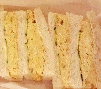 浅草の人気喫茶店デンキヤホールの玉子サンド
