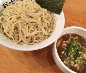 浅草の人気ラーメン屋富士らーめんのつけ麺