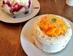 渋谷駅近くにあるかき氷が人気のカフェ、セバスチャンのマンゴーショートケーキ