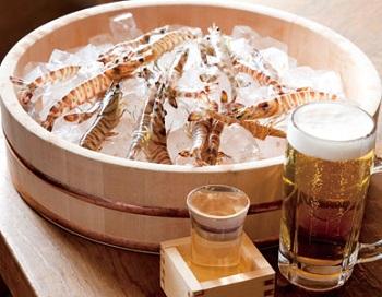 大阪梅田にある居酒屋の酒場やまとのえび店内