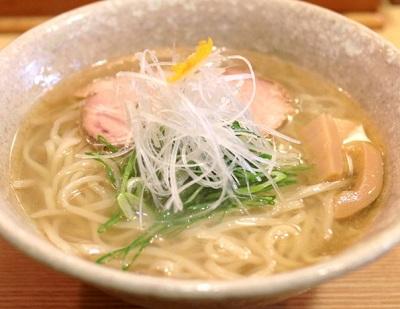 山崎麺二郎の塩ラーメン