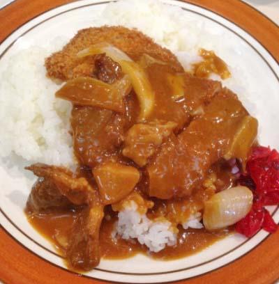 南小倉駅近くにある洋食屋9.9.9.サンキューのハヤシライス