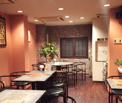 横浜中華街にある広東料理店愛群アイチュンの店内