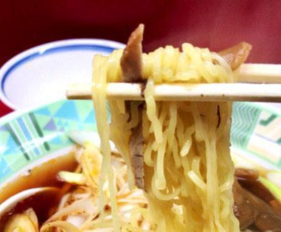 東京都大田区西蒲田の中華料理店味の横綱の麺