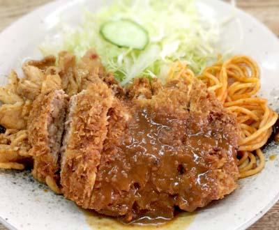 神保町駅近くにある定食屋キッチングランのとんかつ