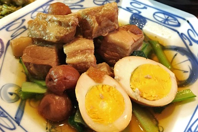 東京都港区表参道駅近くにある中華料理店中華風家庭料理ふーみんの豚肉の梅干し煮
