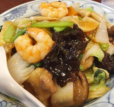 東京都港区表参道駅近くにある中華料理店中華風家庭料理ふーみんの中華丼