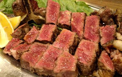 大阪中之島駅近くにあるイタリアン文世食堂のステーキ
