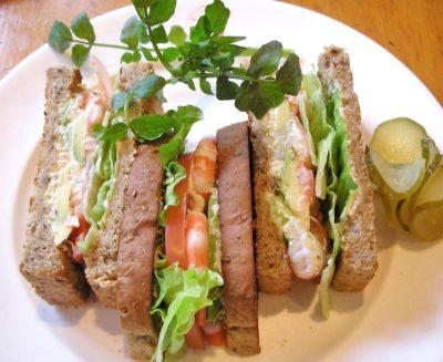 東京都品川区東五反田駅近くにあるハンバーガー店フランクリン・アベニューのサンドイッチ