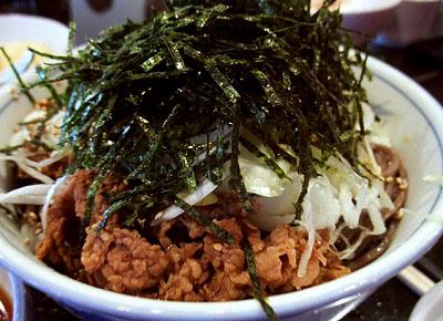 東京都港区西新にあるそば処港屋の蕎麦