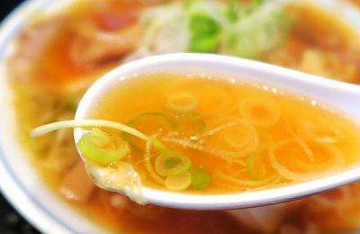 東京都築地にあるラーメン屋井上いのうえのスープ
