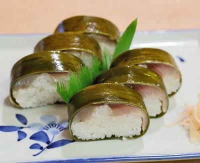 京都市祇園四条駅近くにある寿司屋いづうの鯖姿寿司