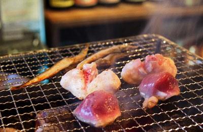 福岡県福岡市にある人気居酒屋炉ばた雷橋の網焼き