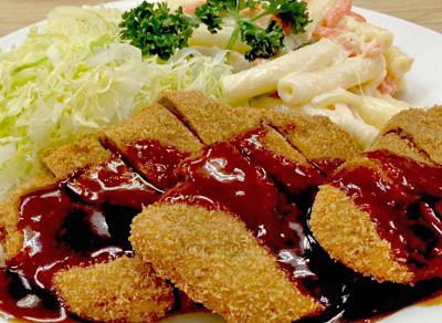 日本橋人形町駅近くにある洋食キラクのかつ