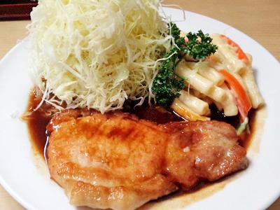 日本橋人形町駅近くにある洋食キラクのポークソテー