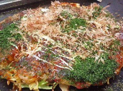 東京都中央区月島駅近くにあるもんじゃ焼きつきしま小町のお好み焼き