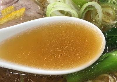 東京都幡ヶ谷駅近くにあるラーメン店金色不如帰コンジキホトトギスのスープ