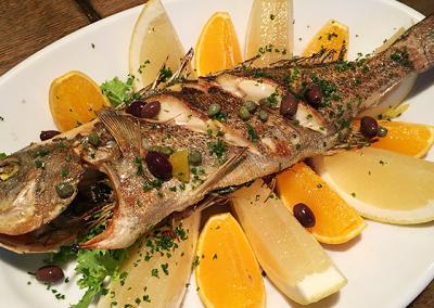 京都市東山区清水五条駅にある洋食店コリスの魚のグリル