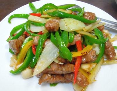 大阪南森町駅近くにある中華料理中国菜香味の野菜炒め