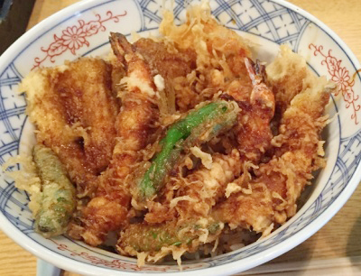 東京都築地駅近くにあるてんぷら黒川の天丼