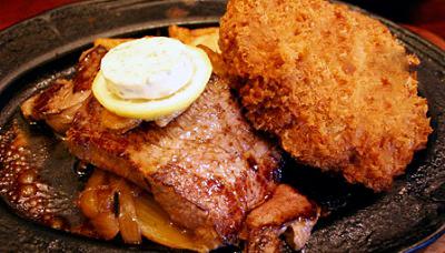 東京都西荻窪駅北口にあるステーキ、洋食店キャロットのステーキとメンチカツ