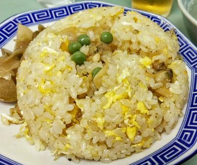 東京都吉祥寺駅北口にある中華料理店みんみんの炒飯