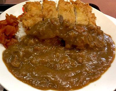 東京都豊島区西池袋にある食堂ランチハウスミトヤのチキンカツカレー