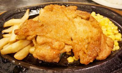 東京都板橋区大山駅近くにある洋食屋レストランオオタニのチキンソテー