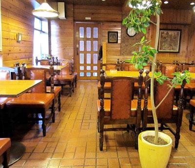 東京都板橋区にあるパンケーキが有名な喫茶店ピノキオの店内