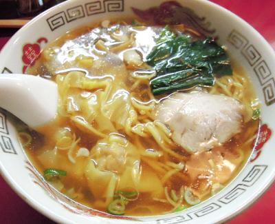 東京都葛飾区にある中華料理店餃子の店蘭州のラーメン