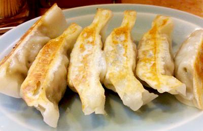 東京都練馬区にある人気中華料理店梁山泊リョウザンパクの餃子