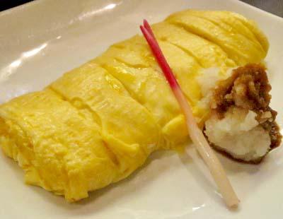 清水五条駅近くにある居酒屋櫻バーのだし巻き卵