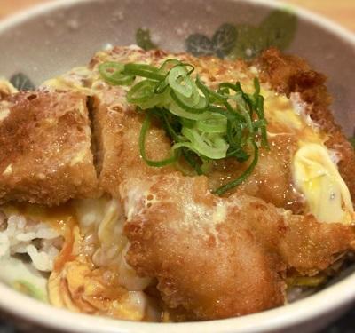 大阪市福島区にあるうどん屋讃くのカツ丼