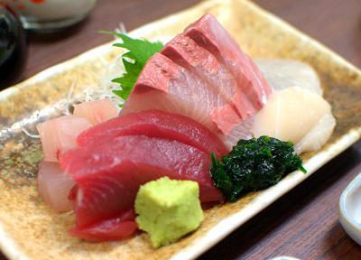 東京都築地にある魚介料理屋高はしの刺身