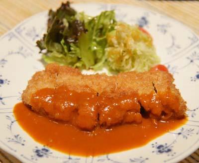 福岡天神駅近くにある洋食屋レストラン達のカツ