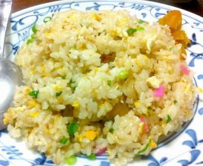 福岡赤坂駅近くにある餃子屋テムジン大名店の炒飯