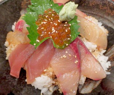 大阪市天満駅近くにある海鮮丼屋まぐろ食堂天満のとらやんの海鮮丼
