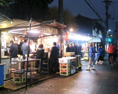 大阪市京橋駅にある立ち飲み居酒屋とよの外観