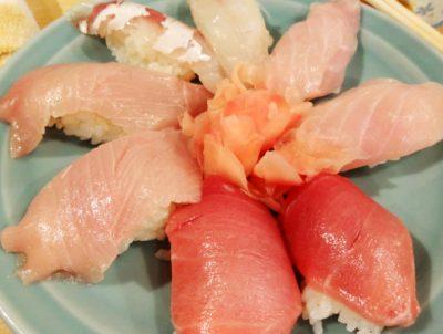 東京都中央区月島にある魚仁うおじんのにぎり