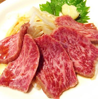 大阪市にある立ち飲み居酒屋わすれな草の肉