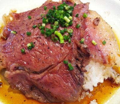東京都葛飾区にある人気洋食屋やまぐちさんのステーキライス