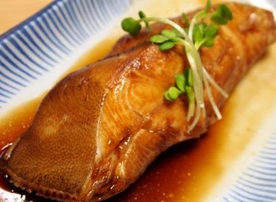 大阪難波駅近くにある定食屋大黒の煮魚