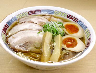 京王八王子駅近くにある煮干鰮らーめん圓のラーメン