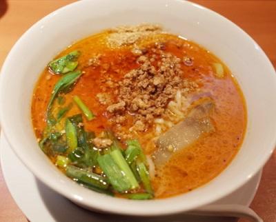 浅草橋駅近くにある洋食屋グラシアの担々麺