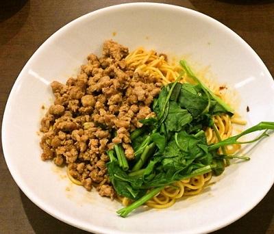 博多駅近くにある四川料理巴蜀の汁なし担々麺