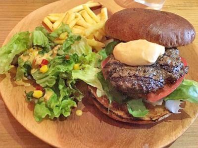 東京都世田谷区にあるハンバーガー屋ホームメイドのハンバーガー
