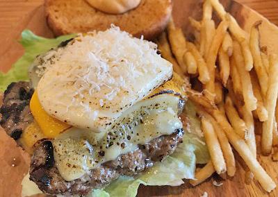 東京都世田谷区にあるハンバーガー屋ホームメイドのチーズバーガー