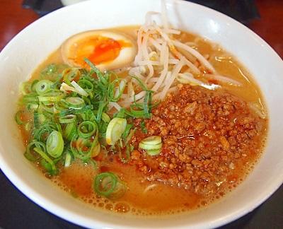 福岡東比恵駅近くにあるラーメン屋博多いちばん星の担々麺