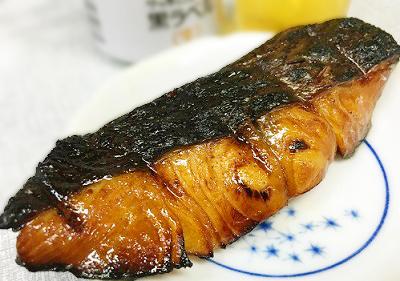 博多駅近くにある立ち飲み居酒屋三喜屋酒店の焼魚